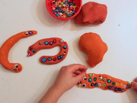 蛇彩泥手工制作