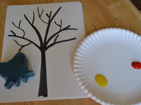 回到家中,我会用记号笔画出树干,如果小孩子愿意的话也可以让他们
